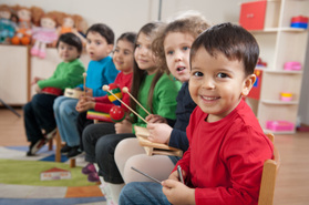 the pros of an on campus daycare On-campus child care needed for increasing number of having an on-campus day care program that welcomes and but day care also benefits the child.