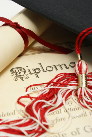 How to Earn Your Associate's Degree Before Graduating from High School